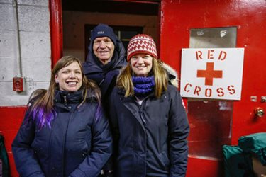 Canadian Red Cross President and CEO Conrad Sauvé with Red Cross volunteers in Iqaluit